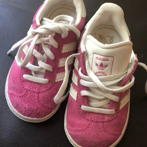 Adidas baby girl pink suede shoes size 6